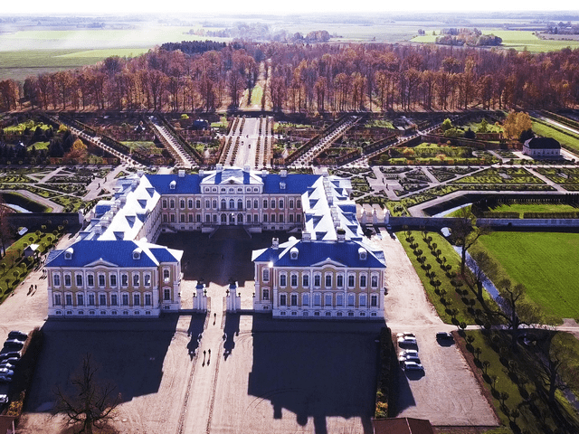 Roof reconstruction of Rundale Palace<br/>